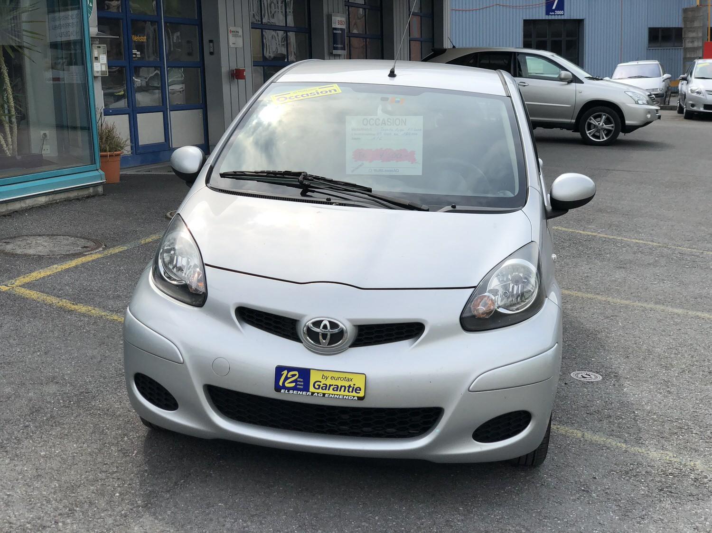 Toyota Aygo silber 2